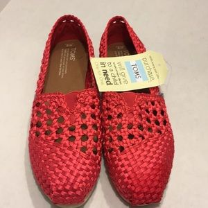 NWT TOMS Red Satin Woven Women Classic Sandals